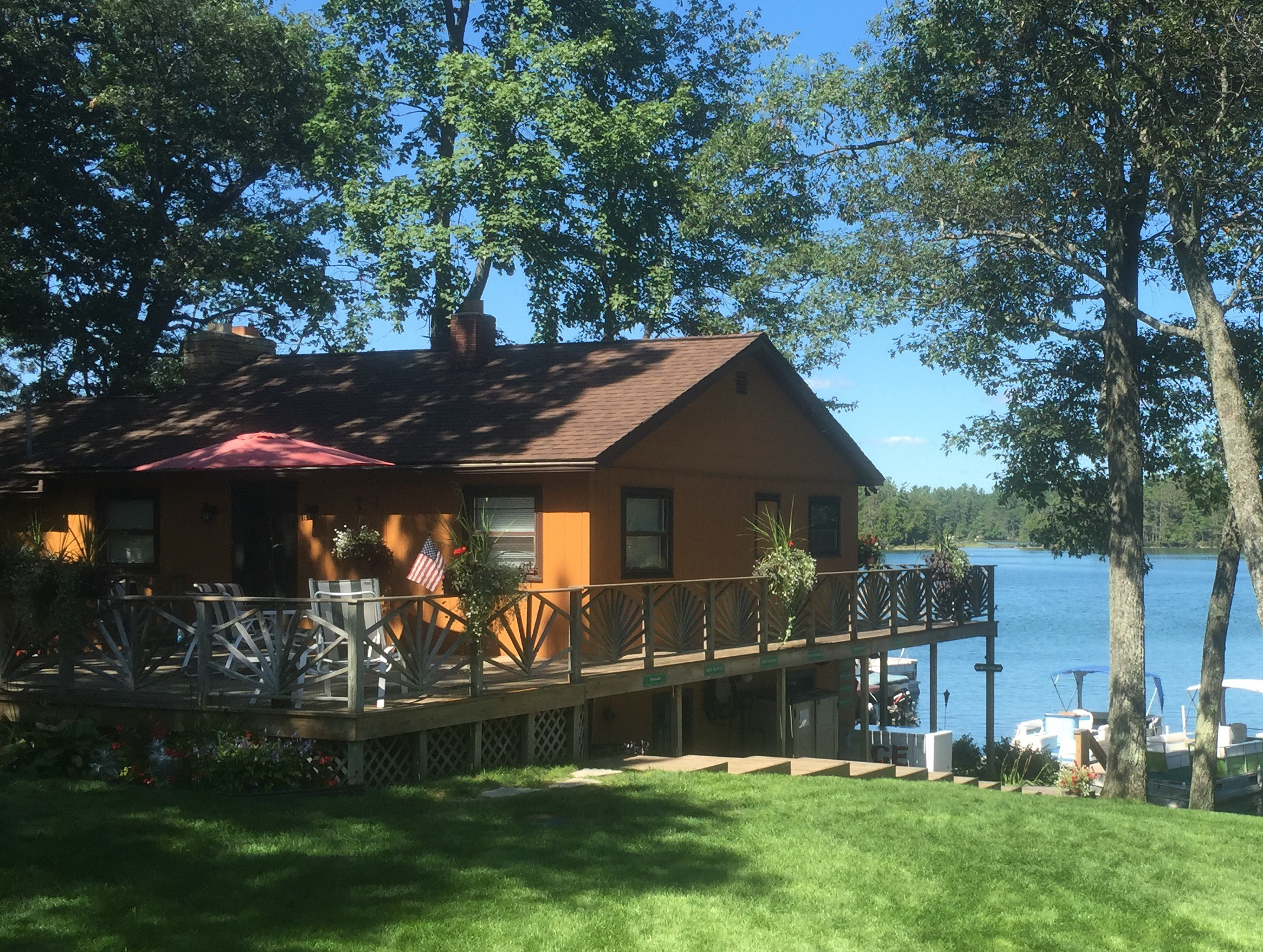 Clear lake Resort, Michigan Lodging, Family Vacation Resort