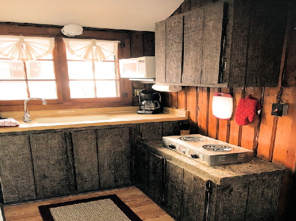 Rental Lake Front Cabin Fully Equiped Kitchen with Cook Top